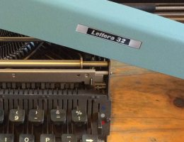 Lettera 32 - teclado de máquina de escrever