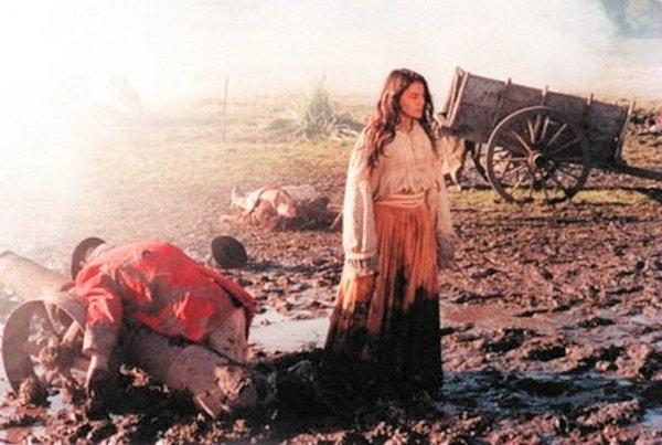 A atriz Dira Paes em cena de Anahy de las Misiones