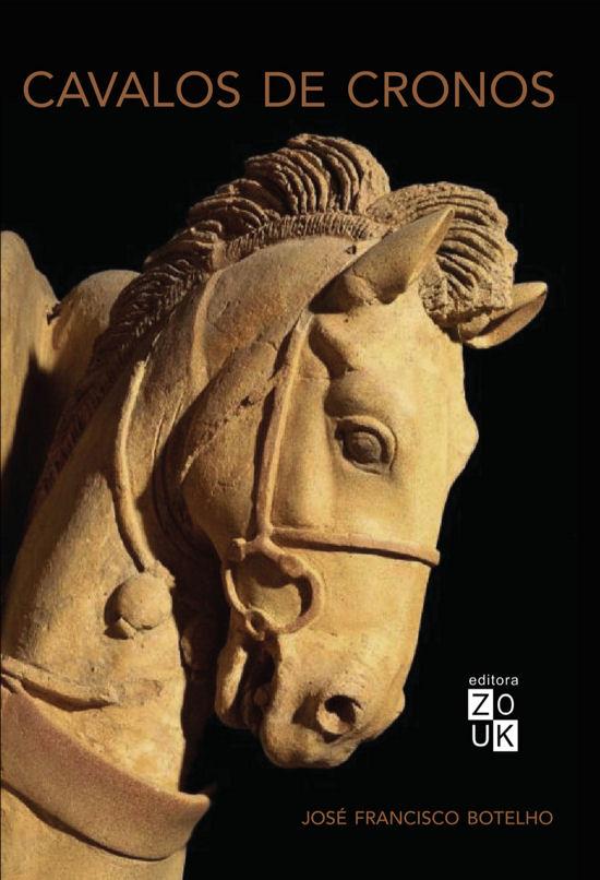 Capa de Cavalos de Cronos - Um cavalo esculpido